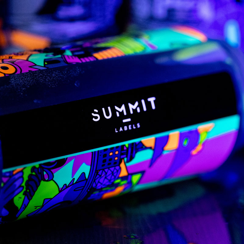 close-up of Summit Labels logo on fluorescent can label